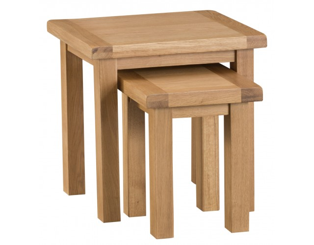 Country Oak Nest of 2 Tables